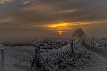 Koude zonsopkomst van Mario Calma