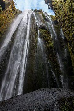 Gljufrabui grotten waterval van Thomas Heitz
