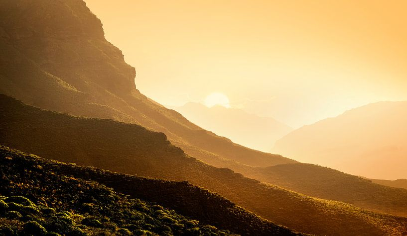 0242 Canary mountains van Adrien Hendrickx