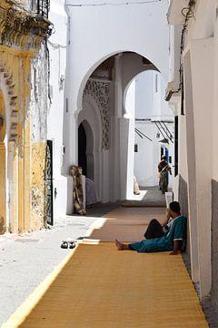 De schaduw opzoeken in de warmte van Sama Apkar