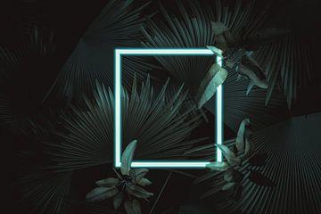 Vierkant frame in neonlicht omgeven door tropische planten van Besa Art