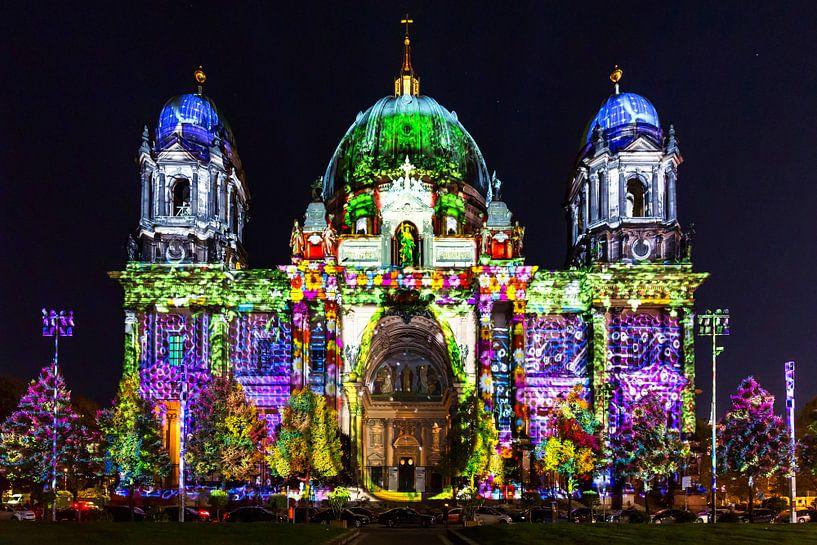 De Berlijnse Dom in speciale verlichting van Frank Herrmann
