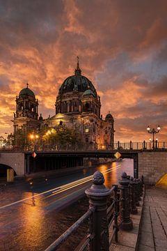 Coucher de soleil sur la cathédrale de Berlin sur Stefan Schäfer