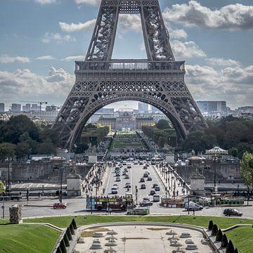 Unter dem Eiffelturm von René van Leeuwen