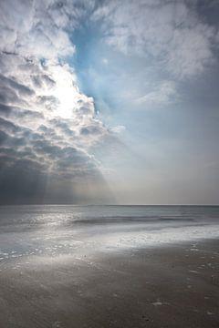 Dunkle Wolken von Marian van der Kallen Fotografie