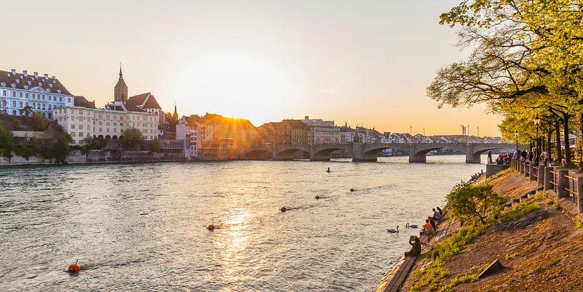 Bazel in Zwitserland bij zonsondergang van Werner Dieterich
