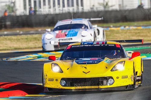 Corvette en Porsche tijdens de 24 uur van Le Mans