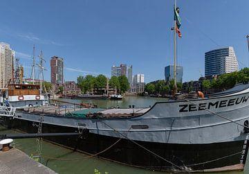 Rotterdam centrum vanaf het Maritiem Museum van Martin Stevens