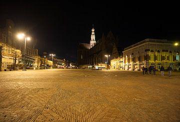 Haarlem bij nacht de Grote Markt van Brian Morgan
