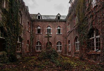 Klooster Antoinette van Ivana Luijten