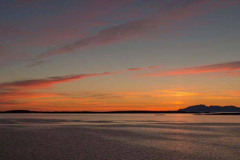 gekleurde zonsondergang van Renate Oskam