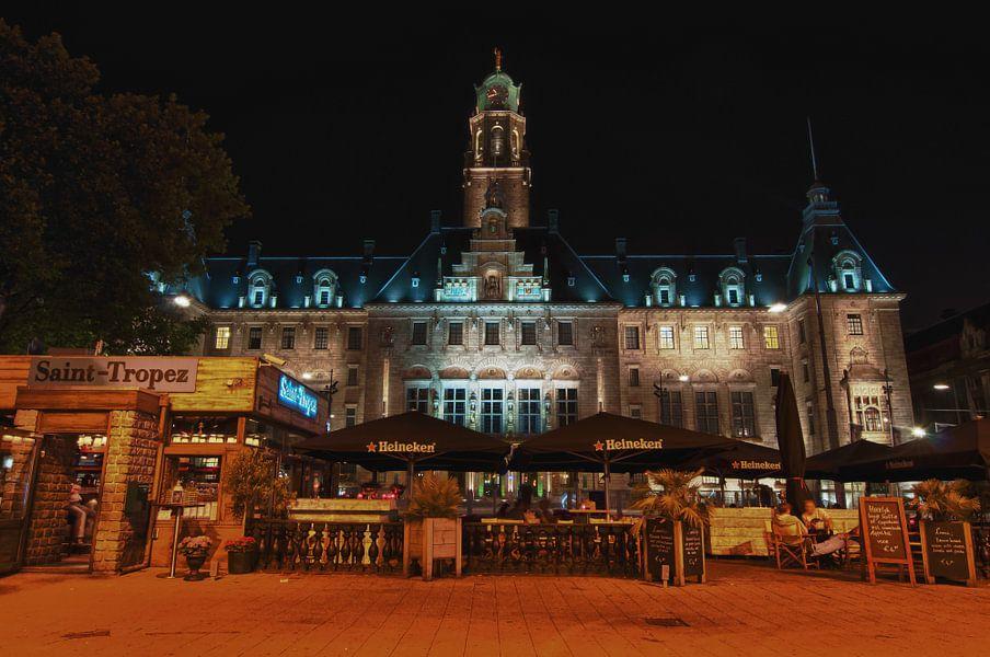 Stadhuis Rotterdam in de Nacht