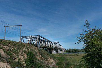 Spoorbrug over de Maas bij Den Bosch