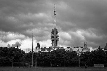 Der Fernsehturm von Prag von Julian Buijzen