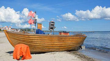 am Strand von Binz von Peter Eckert