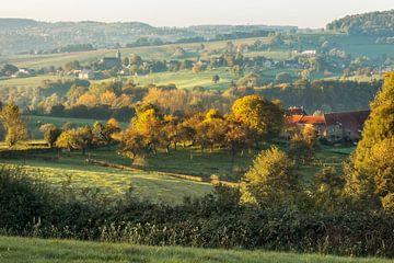 Zonsopkomst  boven de  Zuid-Limburgse heuvels van John Kreukniet
