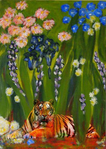 Tiger between flowers von