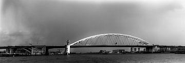 Brienenoordbrücke in monochrom Rotterdam (Panorama) von Prachtig Rotterdam