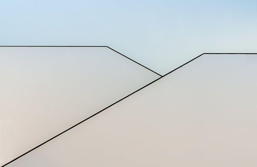 Trappenhuis in abstract van Greetje van Son