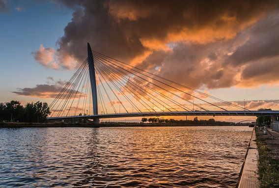Prins Clausbrug zonsondergang