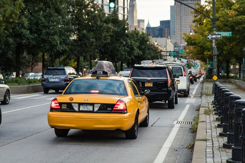 Yellow Cab im Stau von Bas de Glopper