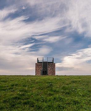 UItkijktoren op de dijk in de Biesbosch van Moniek van Rijbroek