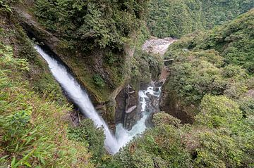 Ecuador: Pailón Diablo waterval (Baños) van Maarten Verhees