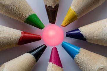 Kleurpotloden macro met druppel van Rouzbeh Tahmassian