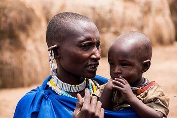 Masai vrouw en kind van Menno Selles