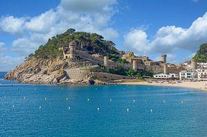 Tossa de Mar aan de Costa Brava, Spanje van Peter Eckert