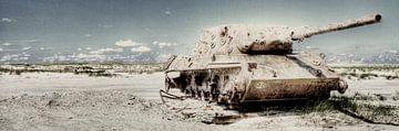 Tank op het strand van