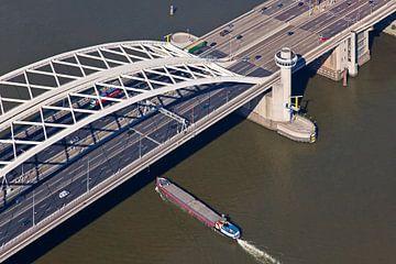 Luchtfoto Van Brienenoordbrug te Rotterdam 1 van