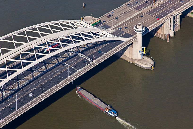 Luchtfoto Van Brienenoordbrug te Rotterdam 1 van Anton de Zeeuw