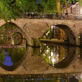 Waisenbrücke über die Oudegracht in Utrecht von Donker Utrecht