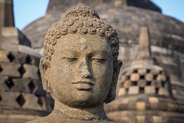 Boeddha op de Borobudur op Java, Indonesië van Jeroen Langeveld, MrLangeveldPhoto