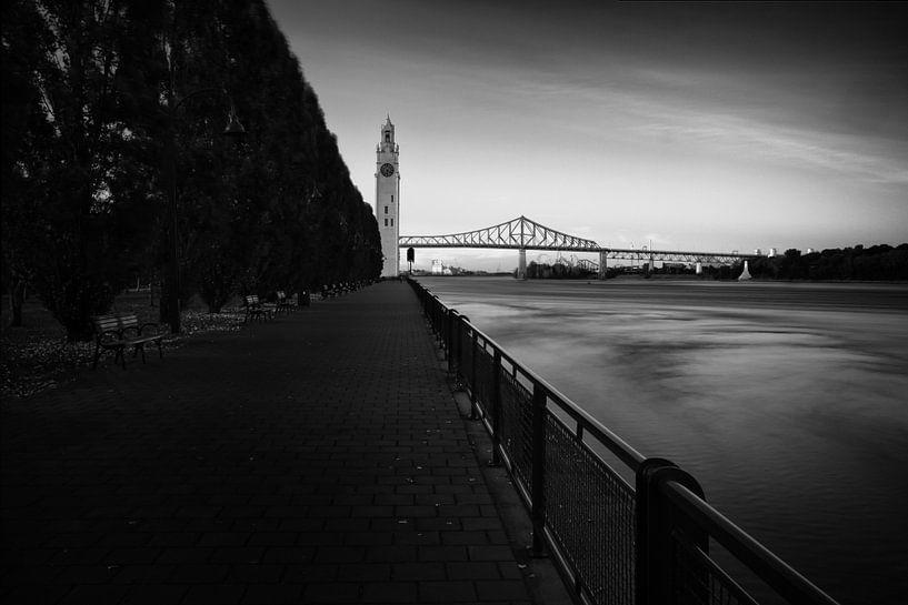 Long exposure of the Jacques Cartier bridge in Montreal van Luis Fernando Valdés Villarreal Boullosa