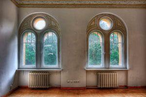Lost Place - Rundbogenfenster