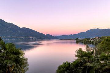 zonsopkomst lago maggiore van