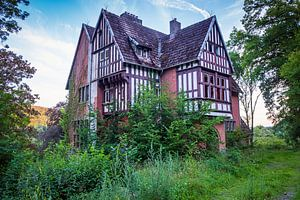 Verlaten huis in Bomal van Evert Jan Luchies