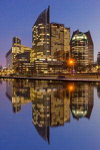 Den Haag Centrum in weerspiegeling van