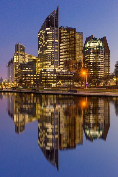 Den Haag Centrum in weerspiegeling van Bert Buijsrogge