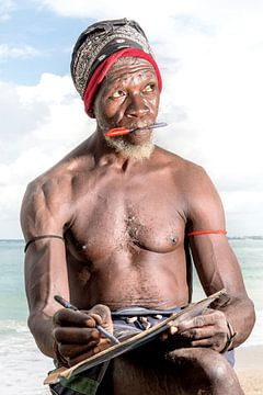 The Beachman, Dar es Salaam, Tanzania van Jeroen Middelbeek