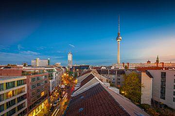 Berlijn in de avond van Jan Schuler