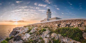 De vuurtoren van Cavalleria op het eiland Menorca bij zonsopgang van Voss Fine Art Fotografie