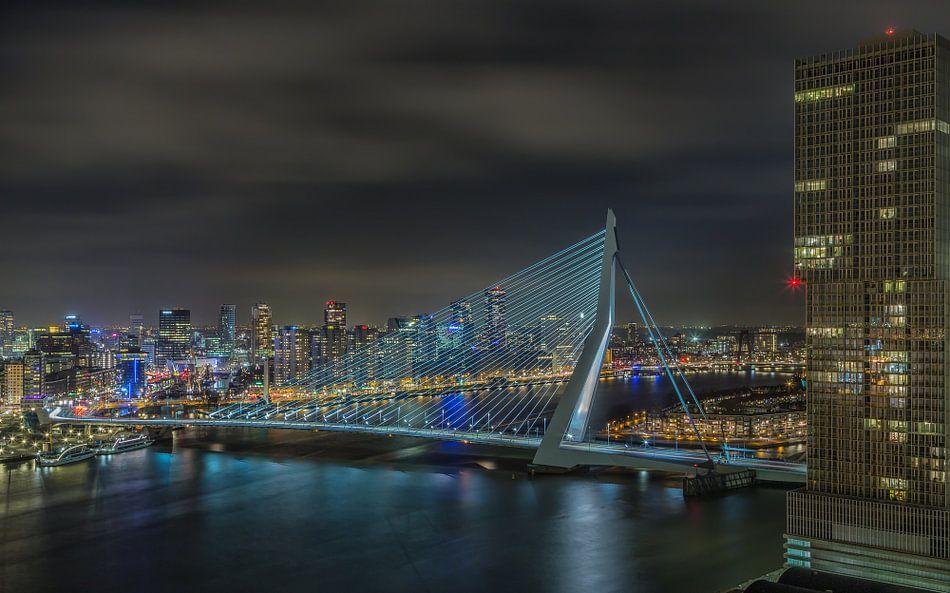 Manhattan @ the Maas - Rotterdam Skyline (3) van Tux Photography