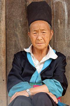 Oude man in Laos van Gert-Jan Siesling