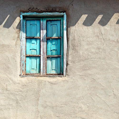 Blauw raam van