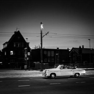 Oldtimer in der Nacht, Antwerpen, Belgien von Bertil van Beek