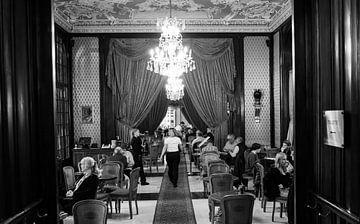 Café à Budapest sur Marian Sintemaartensdijk