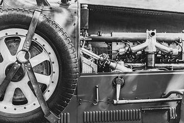 Bugatti Typ 43 klassischer Sportwagen der 1920er Jahre Reserverad und Motorendetail von Sjoerd van der Wal